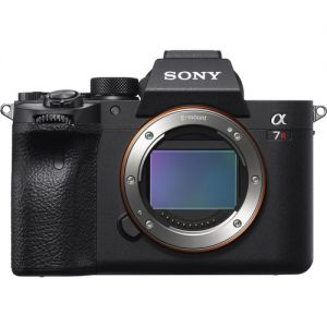 Sony Alpha a7R IV Mirrorless Digital Camera with Sony FE 24-105mm f/4 G OSS Lens